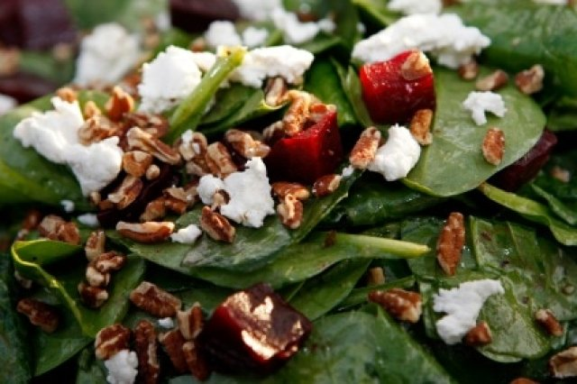 Spinach Salad with Goat Cheese and Bacon