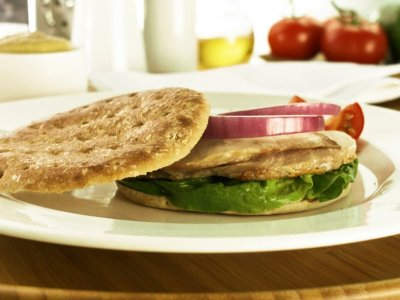 Bimbo Thins with Roasted Chicken Breast