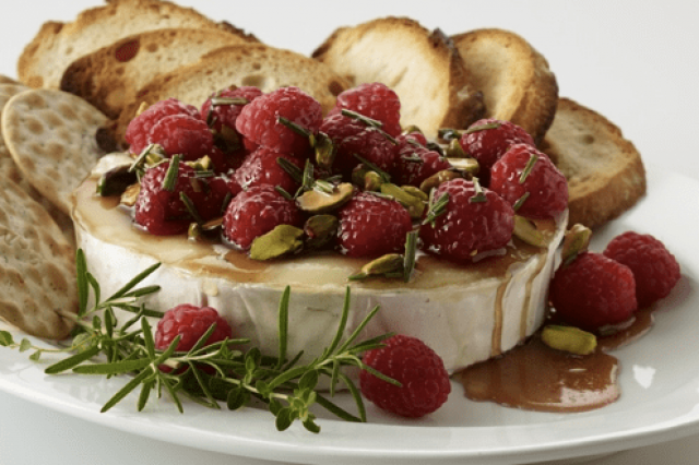 Brie Cheese with Raspberries, Honey and Pistache