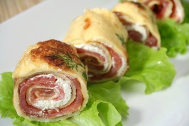 Rolls of Cream Cheese and Salmon