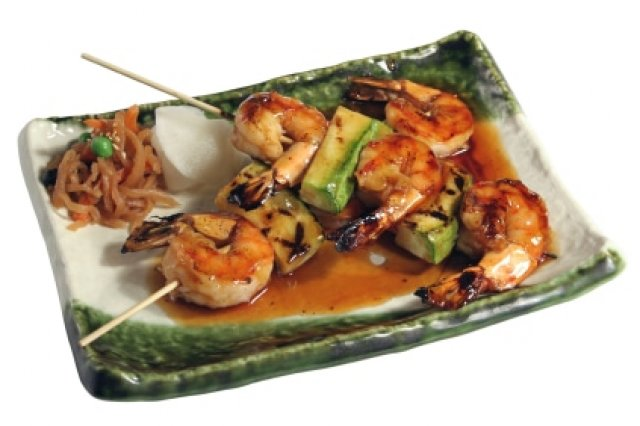 Shrimp brochettes with coconut
