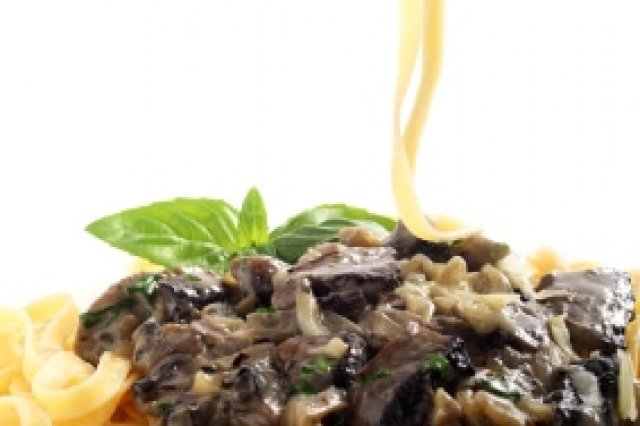 Spicy Fettuccine with Portobello Mushrooms