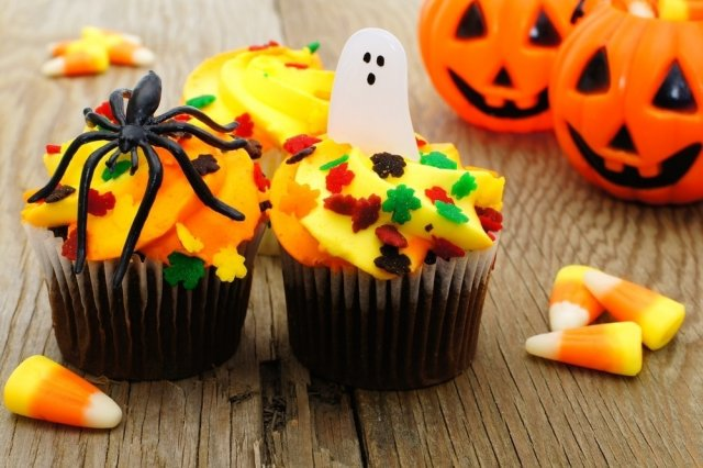 Vanilla Cupcakes for Halloween
