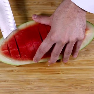 Cut between the skin and the pulp2 different ways to cut a watermelon