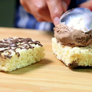 Place ice creamHow to make Inflated Rice Pallets