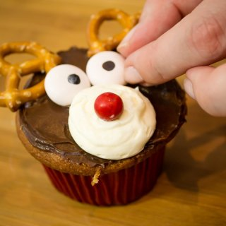 reindeer cupcakesHow to make Easy Reno Cupcakes