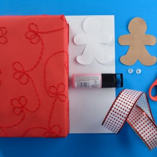 Diy GiftsHow to Wrap Gifts with Ginger Doll