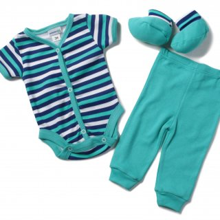 The first clothes of the newbornThe first clothes of the newborn