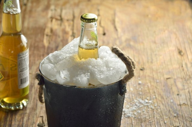 Recipe of How to cool beer in a fast way