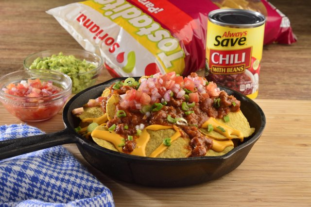 Recipe of Nachos of chili with beans and guacamole