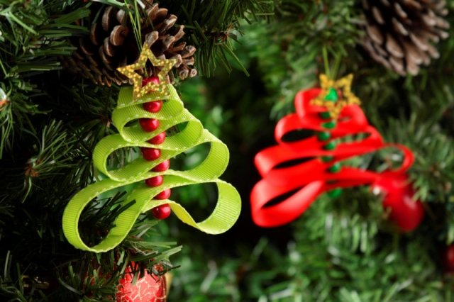 Recipe of How to make a pine ornament for the Christmas tree