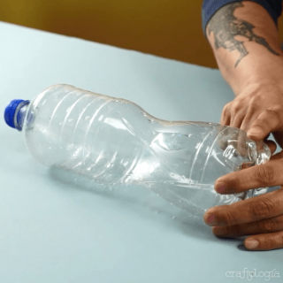 how to make a case with plastic bottlesCase with Plastic Bottles