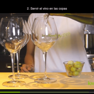 Serve wine in glasses to coolHow to cool wine quickly