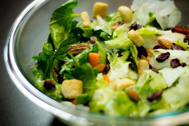 Recipe of How to avoid watering the salad by adding the dressing