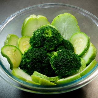 How to cook green vegetables and keep them green