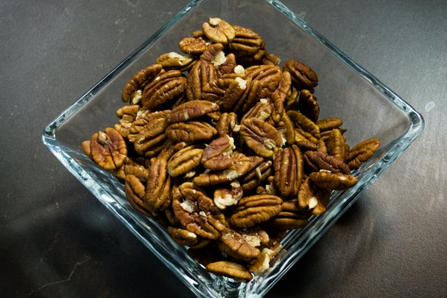 Recipe of How to chop nuts easily