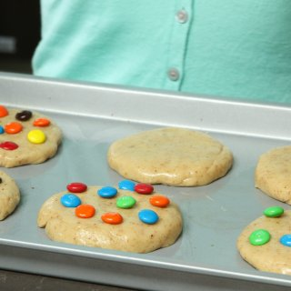 How to make colorful confetti cookies