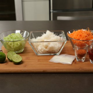 vegetable thread ingredientsHow to make a jicama, cucumber and carrot