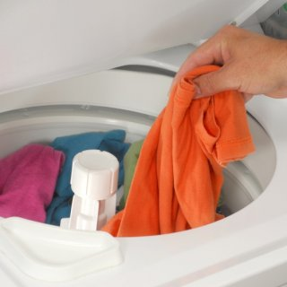 How to best preserve the colors of your clothes