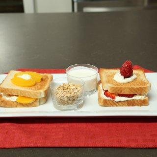 How to make fruit sandwiches