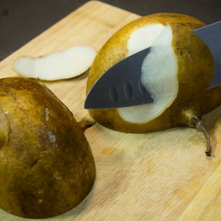 How to peel jicama