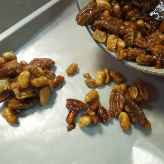 How to make walnuts, almonds or peanuts