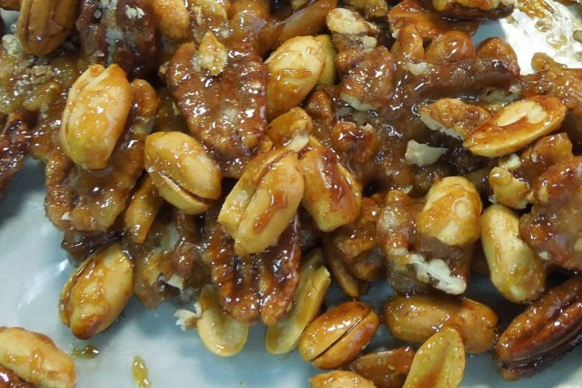 Recipe of How to make walnuts, almonds or peanuts