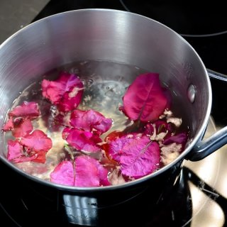 How to make a natural remedy for cough with bougainvillea